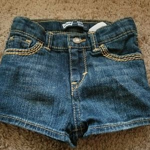 Levi's Shots Gently Used